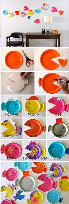 Creative Fun For All Ages With Easy DIY Wall Art Projects Fisch Pappteller Handwerk Craft Activities, Preschool Crafts, Fun Crafts, Diy And Crafts, Arts And Crafts, Preschool Christmas, Christmas Crafts, Paper Plate Fish, Paper Plates