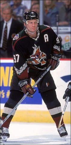 My favorite hockey player of all-time, Jeremy Roenick. Nhl Hockey Teams, Ice Hockey, Coyotes Hockey, Phoenix Coyotes, Arizona Coyotes, Nhl Games, Hockey Stuff, National Hockey League, Hockey Players