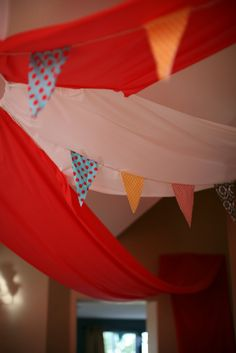 fabric-bunting-circus-tent-circus-themed-birthday-party
