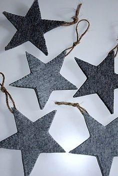 felt stars – selfmade minimalistic winter and xmas decoration in grey shades Decoration Christmas, Noel Christmas, Xmas Decorations, Winter Christmas, Christmas Ornaments, Modern Christmas, Christmas Lights, Star Ornament, Felt Ornaments