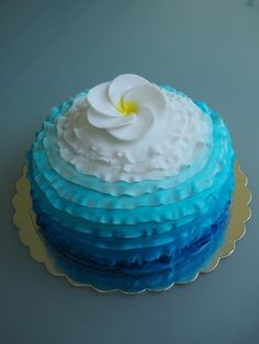 cake blue shades and flower