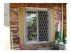 glassessential® folding gate provides an effective security barrier to entry through sliding or french patio door when protection is needed through-vision.