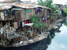 The world is a Ghetto because more people in the world live in shanties or slums, while the few live in utter opulence. They all live in filth, poverty, sickness, crime and underdeveloped habitat Jakarta, Java, Utopia Dystopia, Powerful Images, Slums, Countries Of The World, Kuala Lumpur, Mexico City, Nairobi