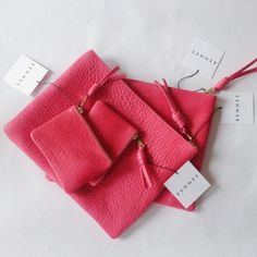 hot pink pouches [rennes]