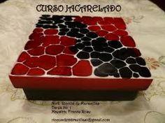 Resultado de imagen para bonitos jacarelados Gaudi, Ideas Para, Decoupage, Wooden Crafts, Boxes, Mosaic Art, Decorated Boxes, Manualidades, Upcycling