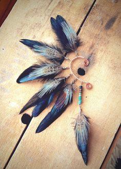Feathers ear cuff
