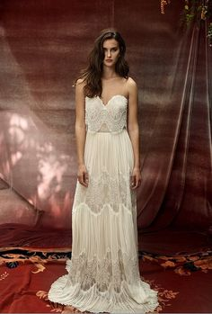 This copy is inspired by the Lihi Hod LOHO collection. Lihi Hod is one of the most sought after designers for unique, boho style gowns that retail from $4500 - $14,000 USD. The Roseberry is a gorgeous