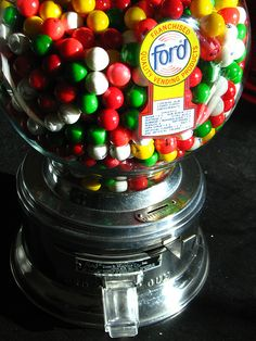 hit the gumball machine at my bus stop every morning. would get 5 gumballs for 1 penny and then sell for 1 penny each at school, lol. Old School Candy, Vending Machines, Gumball Machine, Ol Days, Do You Remember, Diners, My Memory, The Good Old Days, Post Office