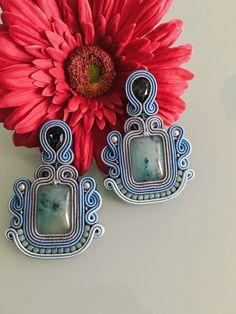 Produkty podobne do Baroque earrings w Etsy Bead Jewellery, Boho Jewelry, Beaded Jewelry, Jewelery, Soutache Necklace, Homemade Jewelry, Diy Accessories, Beaded Embroidery, Baroque