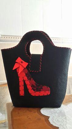 Hessian Bags, Jute Bags, Fabric Purses, Fabric Bags, Handmade Handbags, Handmade Bags, Felt Purse, Diy Tote Bag, Wholesale Bags