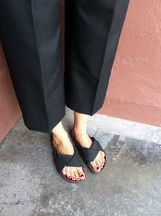 We literally live in cropped pants paired with sandals at the moment. Discover more on The Wall at http://www.elin-kling.com/the-wall/the-cropped-trousers