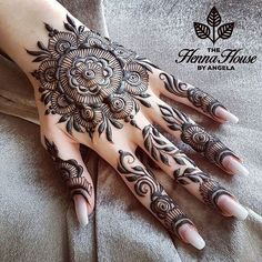Top Cute Henna Design Images Gallery Full Hand for Girl Cute Henna Designs, Mehndi Designs For Girls, Best Mehndi Designs, Henna Tattoo Designs, Nail Designs, Henna Tattoo Hand, Henna Tattoos, Paisley Tattoos, Mehndi Design Pictures