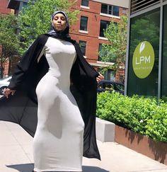 Soaking up the sun like Beautiful Arab Women, Beautiful Hijab, Hijabi Girl, Girl Hijab, Arab Girls Hijab, Muslim Beauty, Goth Beauty, Cute Girl Photo, Cute Asian Girls