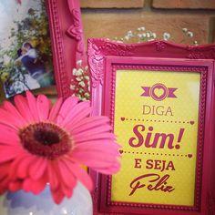 Impressões para porta retratos * Design feito com amor! By #amareatelier | Home engagement - amarelo e rosa | facebook.com/amareatelier