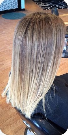 Ideas to go blonde - long icy balayage If you are looking for ideas to go blonde, you are in the right place. I have selected over 80 ideas that will help you pick the short balayage hairstyles Hair Color And Cut, Ombre Hair Color, Blonde Color, Bright Blonde, Hair Colors, Ombre Bob, Colour Melt Hair, Color Melting Hair, Light Blonde Balayage
