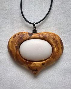 Puunappi: Puusydän pihlajasta Washer Necklace, Jewelry, Jewlery, Jewels, Jewerly, Jewelery, Accessories