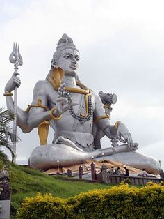 "World's largest Shiva Statue: Murudeshwara is a town in the Bhatkal Taluk of Uttara Kannada district in the state of Karnataka, India. ""Murudeshwara"" is another name of the Hindu god Shiva. This beach town lies on the coast of the Arabian Sea and is also famous for the Murudeshwara Temple."