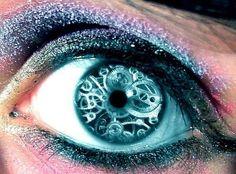 Resultado de imagem para cool eye contacts
