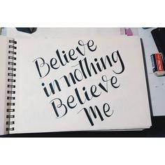 Así quedó BeeGirl . Aplicando lo aprendido en el workshop de @martinaflor. #lettering #letteringchile #clubdelettering #LigaDeLetteringCL #goodtype #handwriting #handmade #typotype #pearljam #beegirl #letterlina