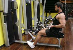 Remada Supinada na Polia Baixa. Grupos musculares: Costas, Antebraço, Bíceps…