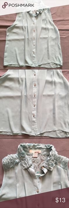 Sans Souci Blouse Lacey Sleeveless Medium In overall great condition. Check out our closet for great bundle offers! Sans Souci Tops Blouses