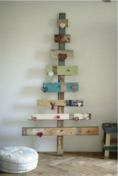 DIY Wooden Christmas Trees…Pretty Please