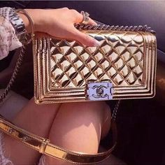 chanel, bag, and fashion image Dolce & Gabbana, Chanel Handbags, Luxury Handbags, Luxury Bags, Tote Handbags, Cute Bags, Gucci, Burberry, Givenchy