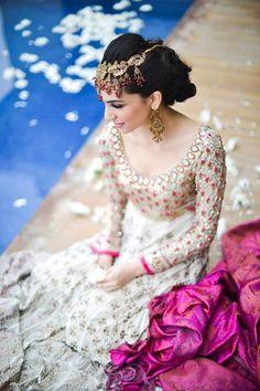 Sana Ansari posing for Farah Talib Aziz #lengha #bridal #whitedress