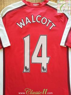 Relive Theo Walcott's 2008/2009 Premier League season with this original Nike Arsenal home football shirt.