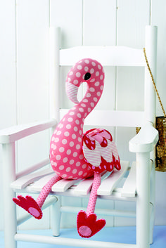 With her movable legs, variety of fun prints and pleasing shape, this plush flamingo is an ideal gift for a little one (or a grown up!)