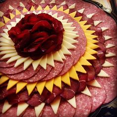 Pin by Karen C on appetizers Meat Cheese Platters, Party Food Platters, Meat Trays, Charcuterie And Cheese Board, Charcuterie Platter, Meat Platter, Food Trays, Soup Appetizers, Appetizers For Party