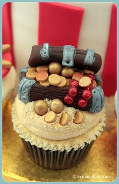 Treasure Chest Cupcake by Scrumptious Buns (Samantha), via Flickr