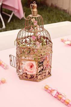 Elegant Royal Pink and Gold Gilded Bird Cage Vintage Baby Shower Rose Gold Centerpiece, Gold Wedding Centerpieces, Bird Cage Centerpiece, Centerpiece Ideas, Girl Baptism Centerpieces, Quinceanera Centerpieces, Wedding Lanterns, Royal Baby Showers, Baby Shower Princess