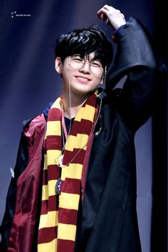 Ong Seongwoo Cr: to owner Ong Seung Woo, Hd Love, Seong, Jinyoung, My Boyfriend, Seventeen, Beautiful People, Idol, Harry Potter