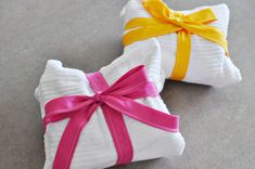 Dish Towel Apron. Cute gift idea, and no separate packaging needed.