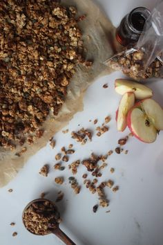 This delicious healthy granola recipe is naturally sweetened with maple syrup (or honey) making it the perfect energy-boosting breakfast to start your day! Whole Food Recipes, Diet Recipes, Vegan Recipes, Recipies, Plant Based Diet, Plant Based Recipes, Natural Born Feeder, Come Dine With Me, Breakfast Recipes