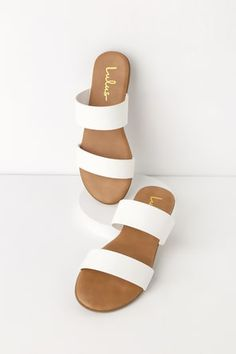Staying on top of the latest trends happens naturally with the Steven Madden Slidur White Leather Slide Sandals! Genuine leather sandals have rubber heel. Cute Sandals, Slide Sandals, Cute Shoes, Shoes Sandals, Simple Sandals, Flat Sandals Outfit, Vegan Sandals, Trendy Sandals, Double Strap Sandals