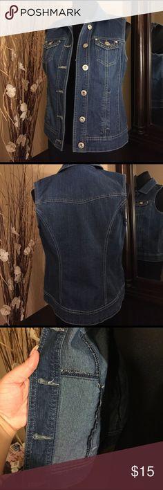 Escellent condition jean vest stretch Jean vest Established 1962 small size excellent condition Established 1962 Tops Tank Tops