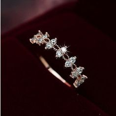 Silver Color Crystal Flower Wedding Rings For Women Jewelry Bague Bijoux Rose Gold Color Femme Engagement Ring AccessoriesRings Cute Jewelry, Boho Jewelry, Wedding Jewelry, Jewelry Rings, Jewelry Accessories, Jewelry Design, Jewelry Sets, Silver Jewelry, Jewellery Box