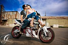 14-engagement-portrait-photography-30-interesting-location-ideas....where he…