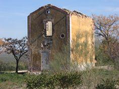 Estación de FF.CC. de Vado-Jaén. (Patrimonio histórico muy deteriorado)