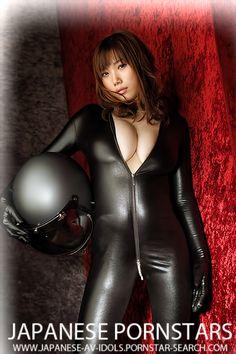 Honami Uehara is a japanese av idol born in Kyoto on 5.7.1991. She is 157 cm tall, Honami's body measurements are: Bust: 105 cm, Waist: 58 cm and Hips: 88 cm.
