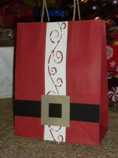 Santa Gift Bag Stampin Up  www.leslieorman.stampinup.net/blog