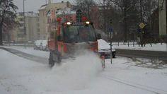 Schneepflug im Einsatz am 10. März 2013 in Potsdam.