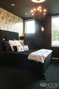 HG07_Black_House_19 Garden News, Black House, Dark Art, Beautiful Homes, Home And Garden, Bed, Furniture, Home Decor, Image