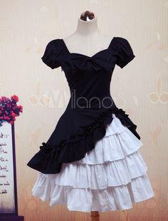 Schönes Lolita Kleid mit Herz-Ausschnitt und Rüschen