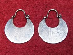 Silver Earrings Iron Type Ring Petals series: Iris. Size: 2 cm/0.7 Includes handmade leather case.