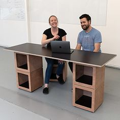If your team is going to work at DO BOX, set up a couple desks for them easily. Modular Furniture, Going To Work, Desks, Couple, Storage, Box, Creative, Home Decor, Mesas