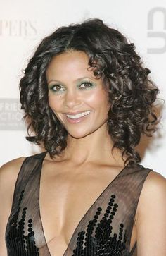 """Peacock eyes are back! Pick up November's InStyle and read Amy Synnott-D'Annibale's piece on """"You Can do Peacock Eyes"""" for step by step instructions."""" Here's how Thandie did it: … 2000s Makeup, Thandie Newton, Curly Girl, Pure Beauty, Peacock, Curls, Pure Products, Eyes, Hairstyles"""