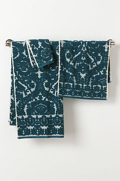 My favorite towels ever! I'll take a complete set of navy blue, white, turquoise or neutral :)